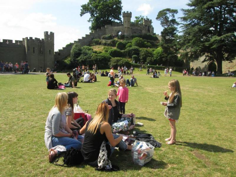 warwick castle picnic time